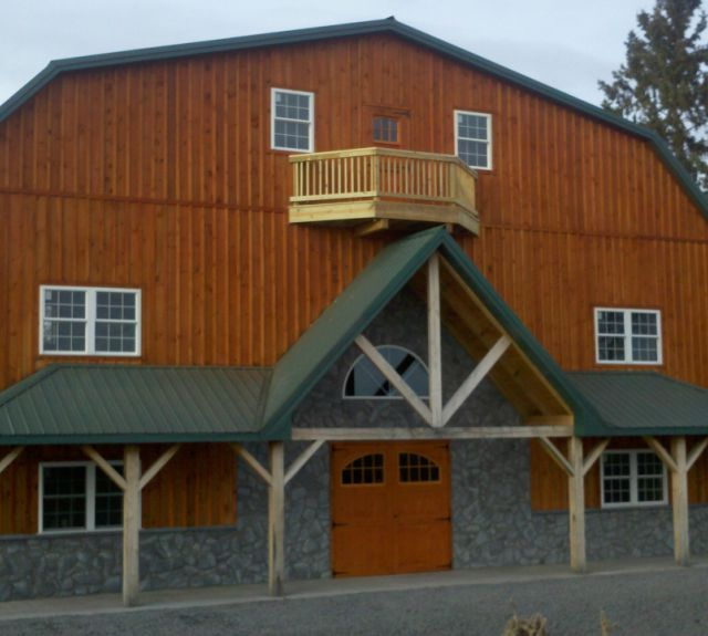 Large Horse Barn with balcony